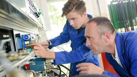 A Complete Guide to Higher Apprenticeships